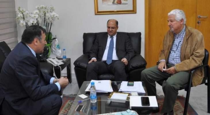 وزير الزراعة عرض مع سفير بلغاريا تطوير العلاقات الثنائية بين البلدين