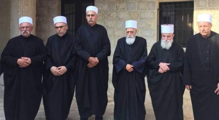 الشيخ حسن يجول على عدد من الشيوخ ويتلقى اتصالات بالاضحى