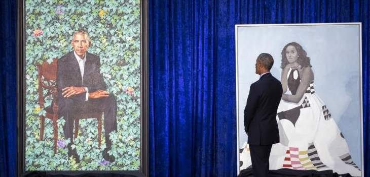 أوباما يطالب بتصغير أذنيه في لوحة فنية