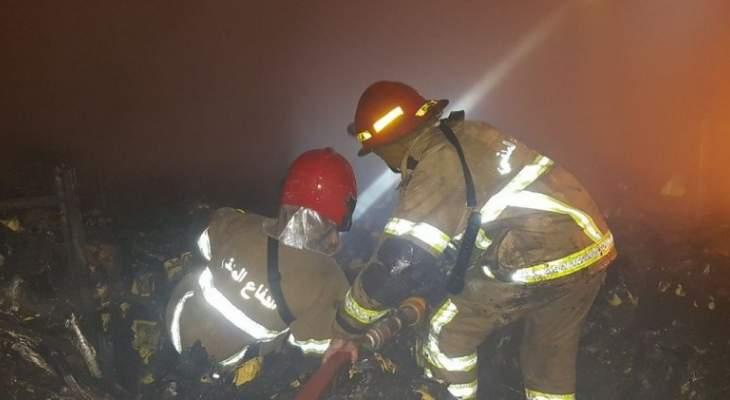 العميد خطار أشرف على عمليات إخماد الحريق داخل مستودع للزيوت بالمكلس
