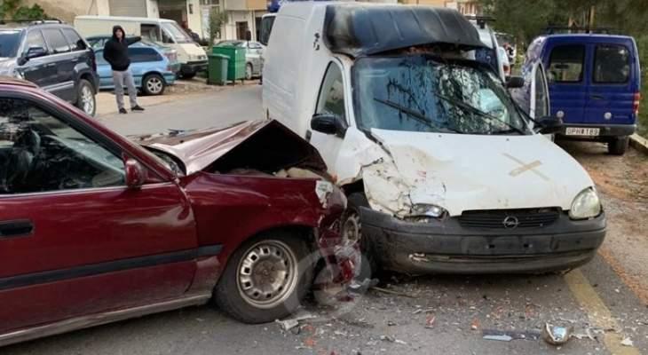 النشرة: 3 جرحى نتيجة حادث سير بين مركبتين على طريق عام كفرا - حاريص
