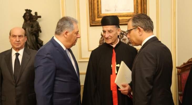 دبور يقدم التعازي للبطريرك الراعي بوفاة البطريرك صفير بإسم الرئيس عباس