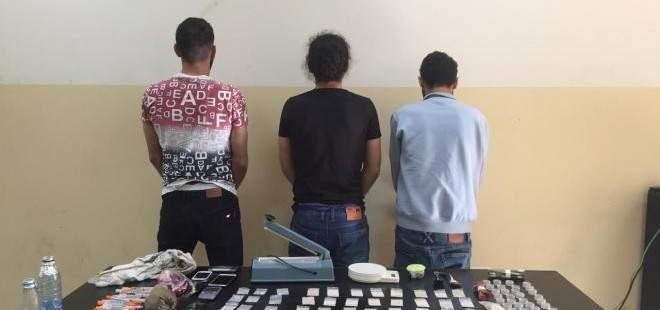 قوى الامن: توقيف عصابة ترويج مخدرات وعملة مزيفة في كسروان وجبيل