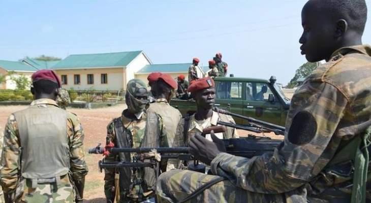 الجيش السوداني: تعرضنا لإطلاق نار من مندسين وسط المعتصمين