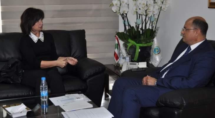 وزير الزراعة عرض تطوير العلاقات مع سفيرة تشيكيا