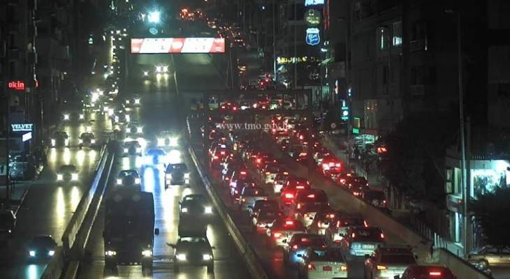 التحكم المروري: قطع الطريق داخل نفق سليم سلام بسبب الاشغال