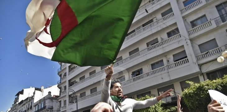 رويترز: الانتخابات الرئاسية في الجزائر قد تؤجل والاحتجاجات مستمرة