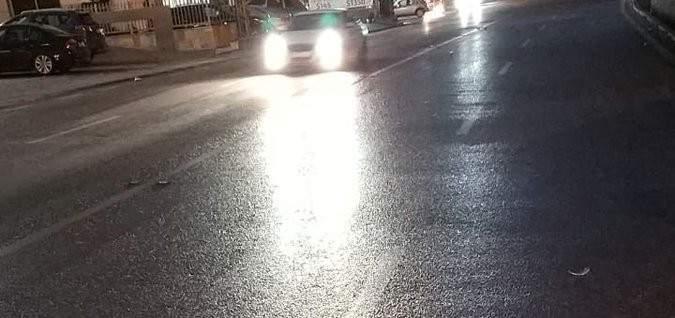 التحكم المروري: لتوخي الحذر وتخفيف السرعة على طريق عام بكفيا بسبب تسرب مازوت