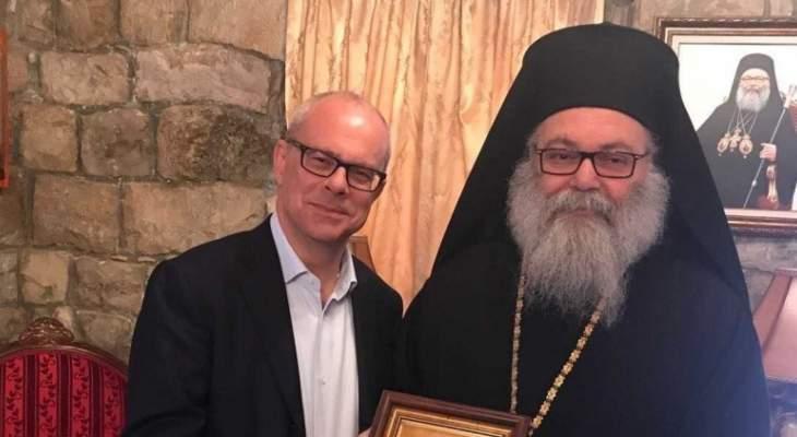 نكد زار البطريرك يوحنا العاشر يازجي معايداً في دير مار الياس شويا
