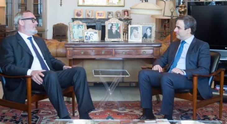 معوض عرض التطورات السياسية مع السفير البلجيكي