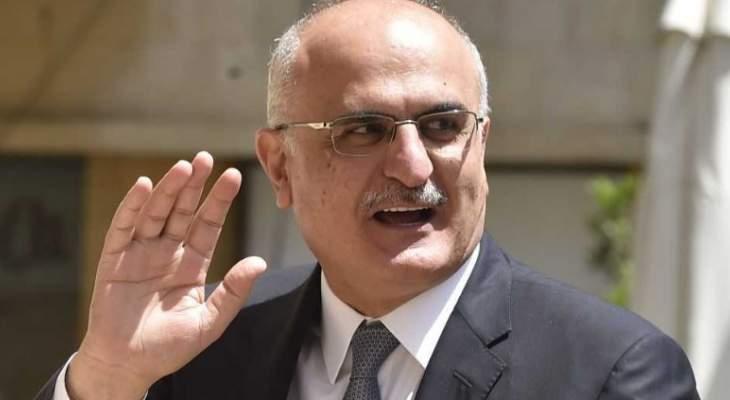 وصول علي حسن خليل وياسين جابر للمشاركة في القمة العربية
