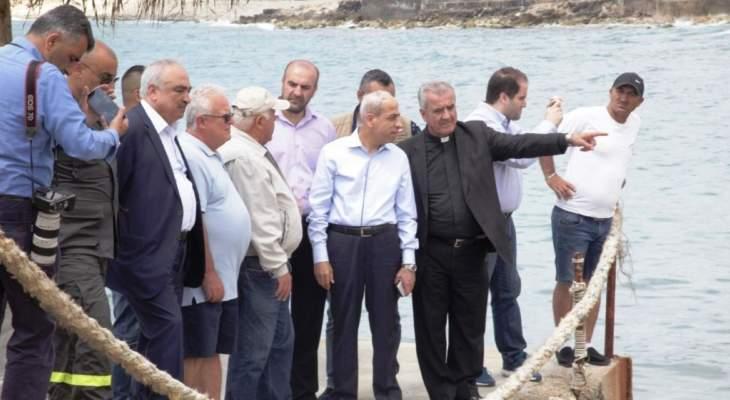 اللواء خير تفقد التسرب النفطي على شاطىء جدرا: الموضوع في عهدة القضاء