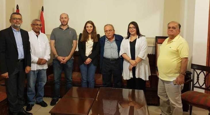 سعد عرض مع وزير البيئة المشاكل البيئية في منطقة صيدا