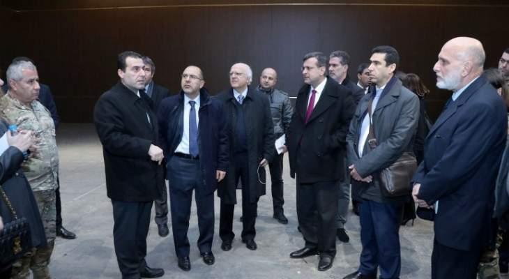 اللجنة العليا المنطمة للقمة العربية التنموية جالت على قاعات مقر القمة