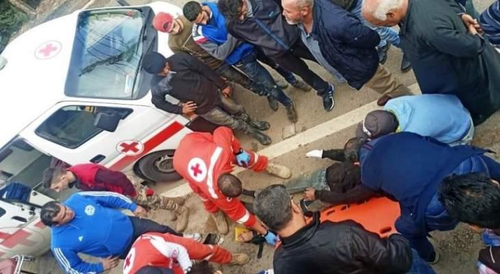النشرة: جريح جراء حادث صدم على طريق عام أرنون وانحراف سيارة عن مسارها في عدلون
