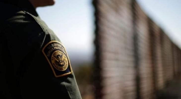 آلاف المهاجرين يتجمعون على الحدود بين المكسيك واميركا