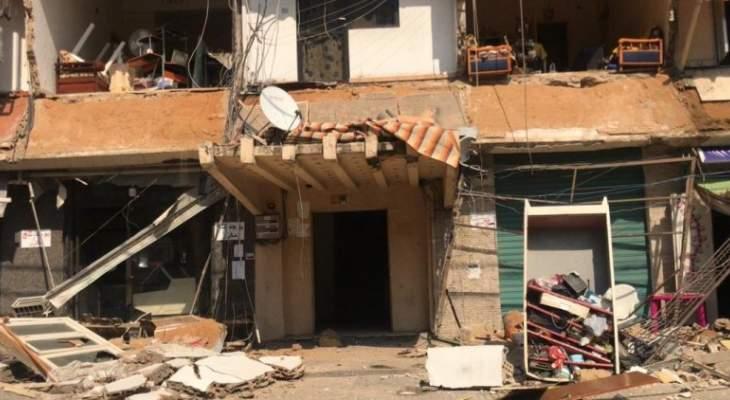 الدفاع المدني: جريحان جراء انهيار واجهة مبنى سكني في سن الفيل
