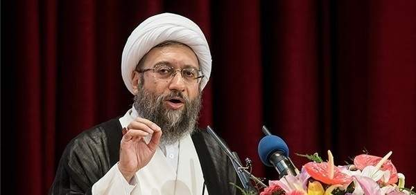 صادق آملي لاريجاني: طهران ترفض أي شروط مذلة بذريعة الآلية المالية