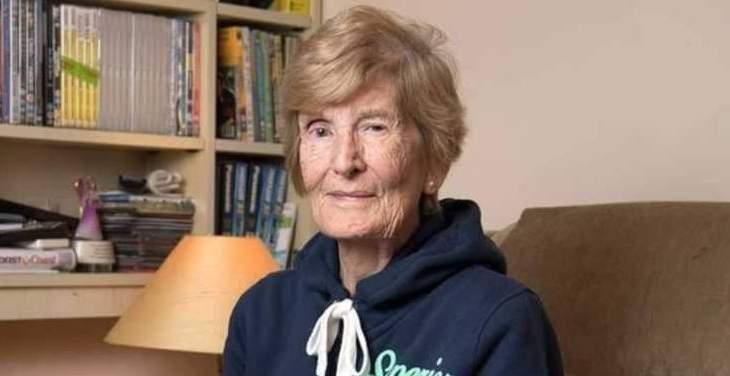 سيدة تعثر على أمها وهي بعمر 103 بعد 60 عاماً من البحث