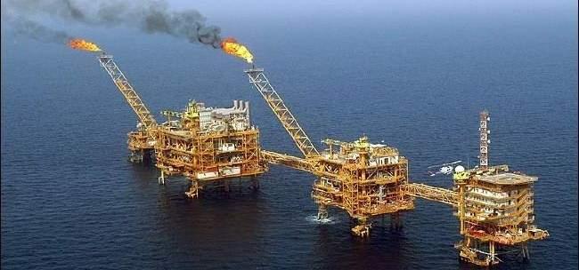رويترز: السعودية مستعدة لزيادة إنتاج النفط لتعويض الفقد المحتمل لنفط ايران