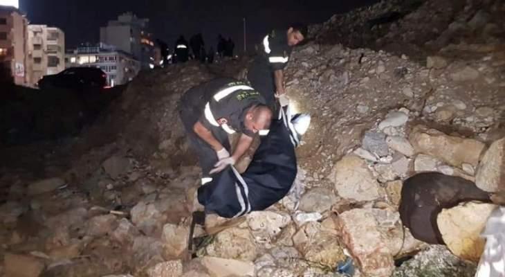 الدفاع المدني: انتشال جثة امرأة من الجنسية الإثيوبية مقابل شاطئ أنطلياس
