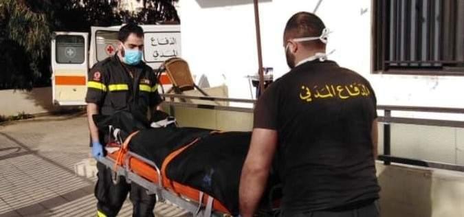 نقل جثة مواطن سقط من الطبقة الثالثة من احد المباني بضهر العين الى المستشفى