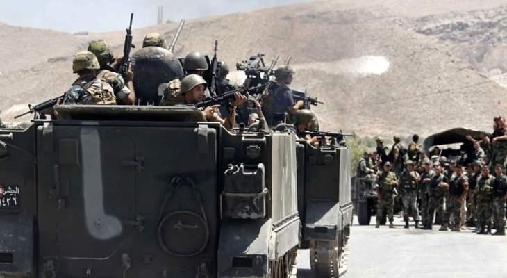 النشرة: الجيش يعثر على مجموعة من القذائف خلال مداهمة مخزن في كليمنصو
