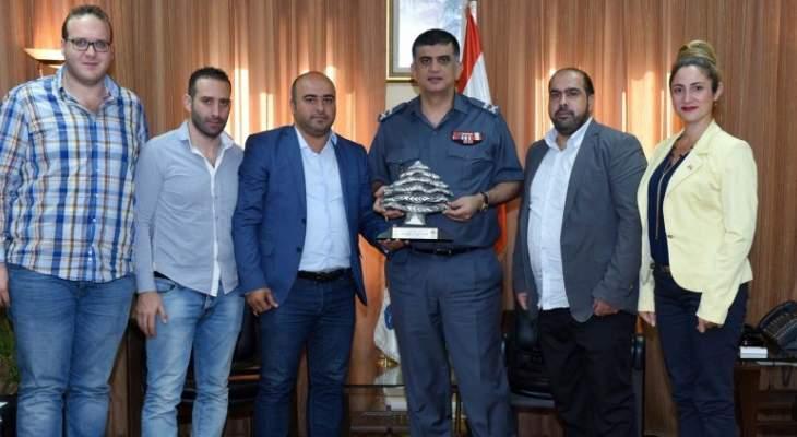 """اللواء عثمان استقبل وفدا من """"أوتيل ديو"""" وآخر من بلدية برجا"""