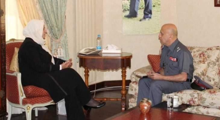 الحريري عرضت الوضع الأمني مع العمداء شمس الدين وحمادة وصعب