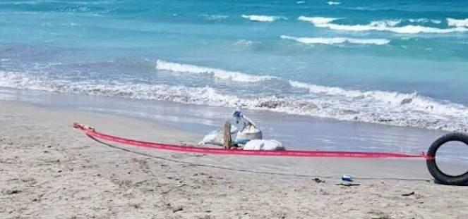 العثور على جزء من قنبلة مضيئة قديمة عند شاطئ صور الجنوبي