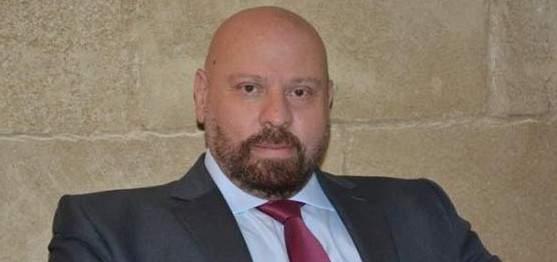 محافظ الشمال: لإلزام النازحين السوريين بالإجراءات القانونية والتأكد من أوراقهم الثبوتية