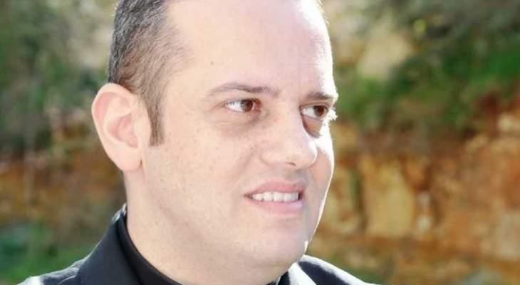 وزيرالتربية الفرنسي منح السعفة الآكاديميّة الفرنسيّة للخوري أبي صالح