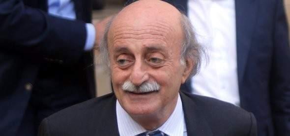 جنبلاط تلقى اتصالا من أبو الغيط وبحثا بآخر المستجدات السياسية بالمنطقة
