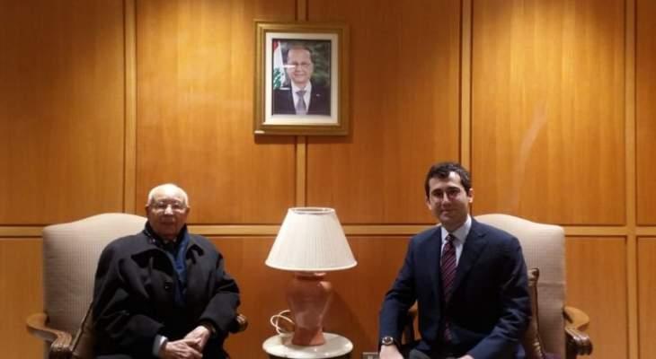 موفد الرئاسة التونسية وصل بيروت لدعوة الرئيس عون الى القمة العربية بآذار