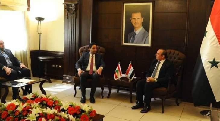 التنسيق مع سوريا... وغض النظر من الحريري!