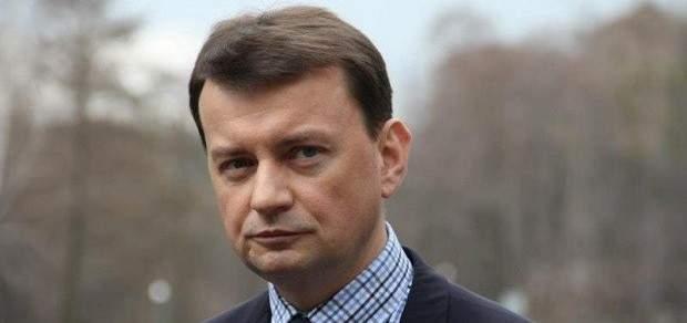 وزير دفاع بولندا يعلن عن شراء صواريخ أميركية جديدة بملايين الدولارات