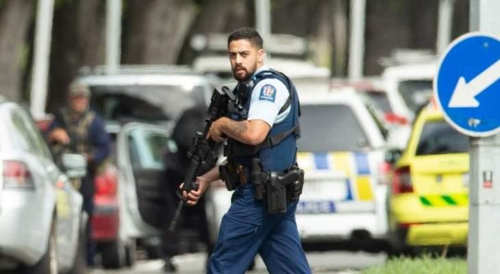 الشرطة في نيوزيلندا تلاحق لصًا سرق 11 قطعة سلاح من مركزها