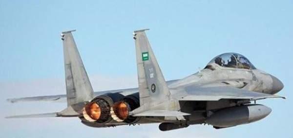 مصدر عسكري يمني: التحالف السعودي يستهدف بغارتين جويتين ساحل اللحية