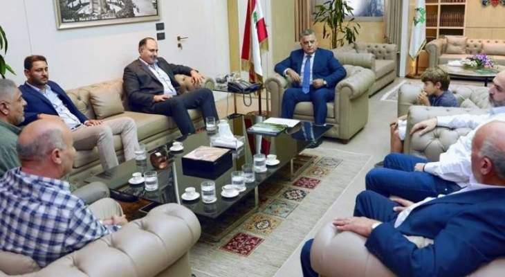 ابراهيم التقى وفدا من اللجنة المركزية لعودةالنازحين السوريين في التيار