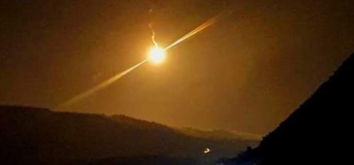 الجيش الإسرائيلي يلقي قنابل مضيئة بالقرب من مستعمرة المطلة
