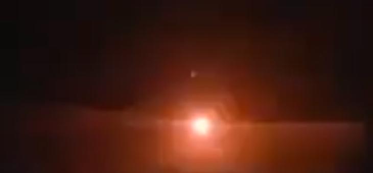 الحدث: غارة تستهدف مخزن أسلحة للحرس الثوري في مطار قرب البوكمال
