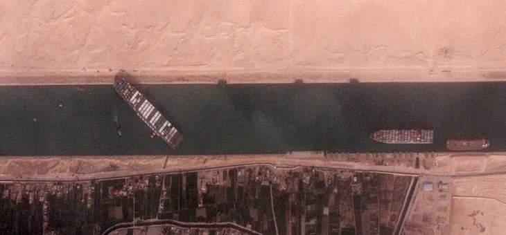 تعطل الملاحة بقناة السويس لليوم السادس واستمرار محاولات تعويم السفينة الجانحة
