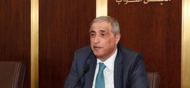هاشم: لا أحد قادر على وضع مهل نهائية في ملف الحكومة