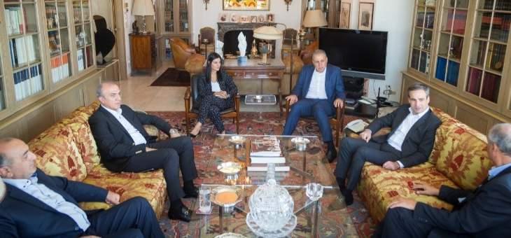 """معوض عرض مع وفد من """"الكتائب"""" لانتخابات نقابة محامي طرابلس والشمال"""