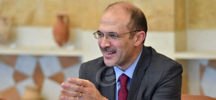حسن في عيد التحرير: لك المجد وطني زاهيا بألوان النصر شامخا رغم غدرات الزمن