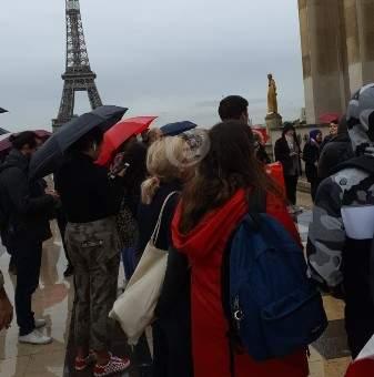 وقفة تضامنية للجالية اللبنانية في باريس مع المتظاهرين في لبنان