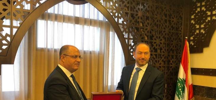 وزير الزراعة حسن اللقيس يجول في مدينة صيدا