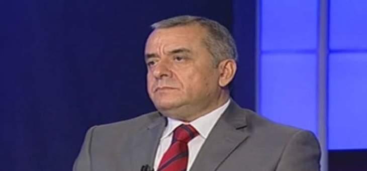 """محمد عبيد: لست مع منح """"حزب الله"""" الحكومة الثقة"""
