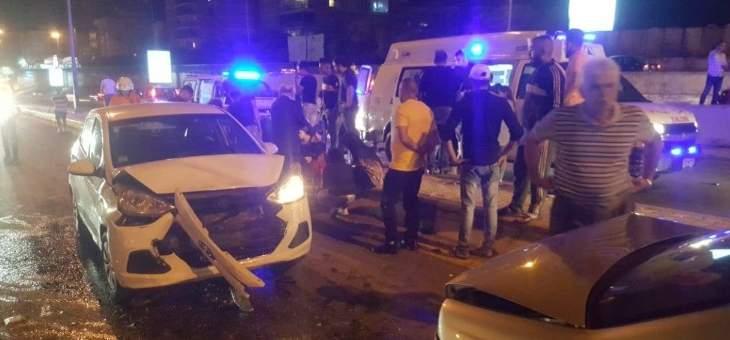 جرحى في حادث سير بين 5 سيارات على اوتوستراد الاسد
