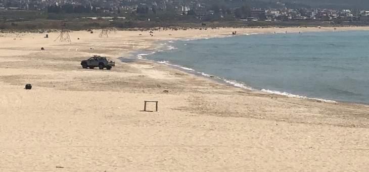 إخلاء الشاطىء الجنوبي والكورنيش البحري في صور من المواطنين